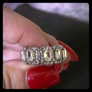 🆕 Eternity band silver with simulated diamonds.